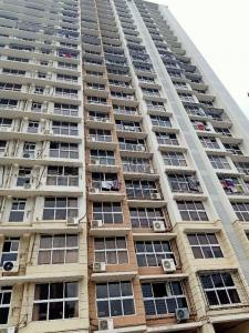 Gallery Cover Image of 620 Sq.ft 2 BHK Apartment for rent in Goregaon East for 45000
