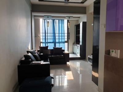 Gallery Cover Image of 950 Sq.ft 2 BHK Apartment for rent in Wadhwa Atmosphere Phase 1, Mulund West for 42000