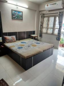 Gallery Cover Image of 1180 Sq.ft 2 BHK Apartment for buy in Komal Enclave, Paldi for 6300000