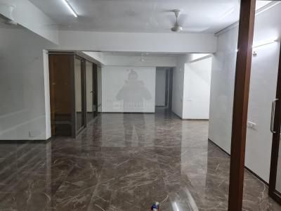 Gallery Cover Image of 2400 Sq.ft 3 BHK Apartment for rent in Maple Tree Garden Homes, Memnagar for 50000