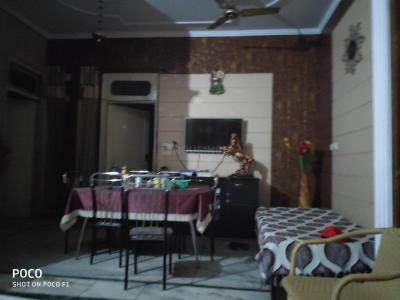 Gallery Cover Image of 900 Sq.ft 2 BHK Independent House for buy in Sector 32A for 10000000