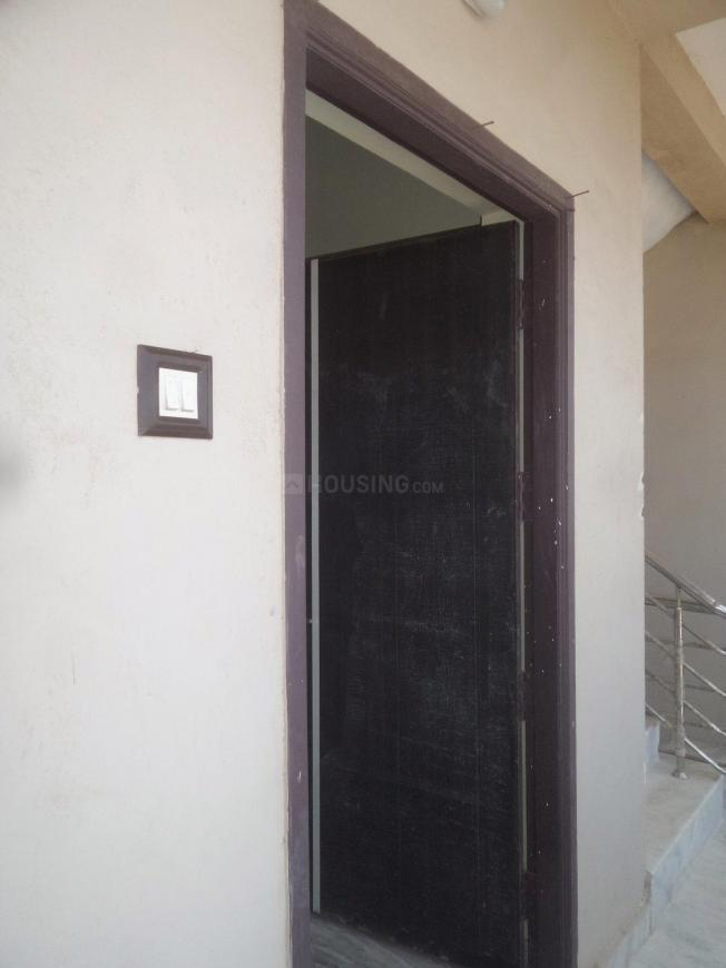 Main Entrance Image of 780 Sq.ft 2 BHK Apartment for rent in Puzhal for 8000