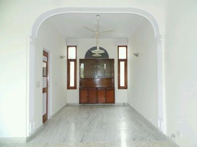 Gallery Cover Image of 6000 Sq.ft 8 BHK Villa for buy in Shanti Niketan for 550000000