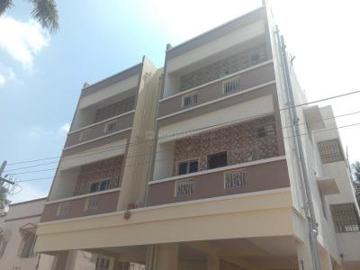 Gallery Cover Image of 900 Sq.ft 2 BHK Apartment for rent in Valasaravakkam for 15000