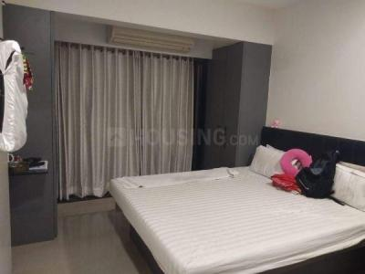Gallery Cover Image of 730 Sq.ft 2 BHK Apartment for buy in Kandivali West for 17000000