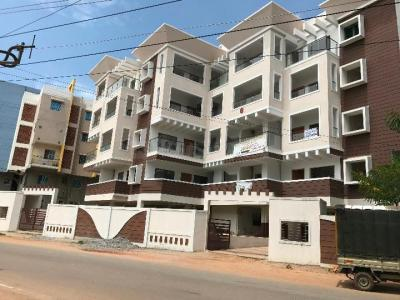 Gallery Cover Image of 1100 Sq.ft 2 BHK Apartment for rent in Hennur Main Road for 25000