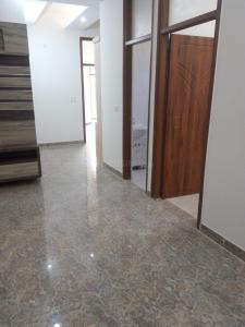 Gallery Cover Image of 1100 Sq.ft 2 BHK Independent Floor for buy in sector 73 for 2800000