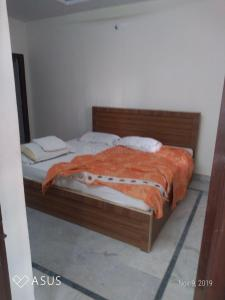 Gallery Cover Image of 240 Sq.ft 1 RK Apartment for rent in Gachibowli for 16000