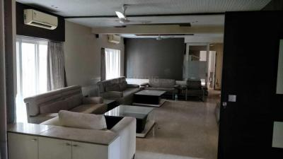 Gallery Cover Image of 3500 Sq.ft 4 BHK Apartment for rent in Tollygunge for 100000