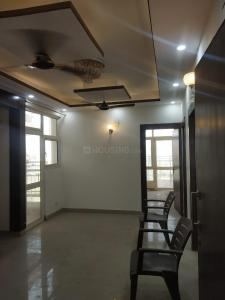 Gallery Cover Image of 930 Sq.ft 2 BHK Apartment for rent in Shri Group Radha Sky Gardens, Noida Extension for 8501