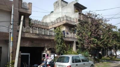 Gallery Cover Image of 1800 Sq.ft 4 BHK Independent House for buy in Model Town for 13000000