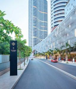 Gallery Cover Image of 2954 Sq.ft 3 BHK Apartment for buy in The world tower, Lower Parel for 100000000