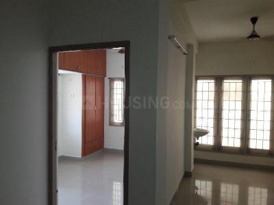 Gallery Cover Image of 1034 Sq.ft 2 BHK Apartment for rent in SS Homes, Velachery for 16000