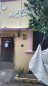 Gallery Cover Image of 600 Sq.ft 1 BHK Independent House for buy in Neelankarai for 3000000