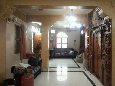 Gallery Cover Image of 1500 Sq.ft 3 BHK Apartment for rent in Murugeshpalya for 40000