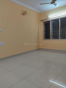 Gallery Cover Image of 1250 Sq.ft 2 BHK Apartment for rent in Vars Silver Springs, Mahadevapura for 18000