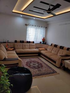 Gallery Cover Image of 1700 Sq.ft 3 BHK Apartment for rent in Jana Jeeva Orchid, Margondanahalli for 30000