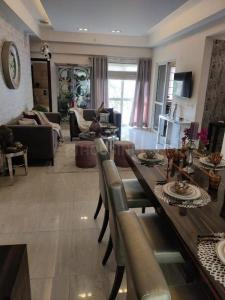 Gallery Cover Image of 1733 Sq.ft 3 BHK Apartment for buy in ASF Isle de Royale, Gwal Pahari for 11000000