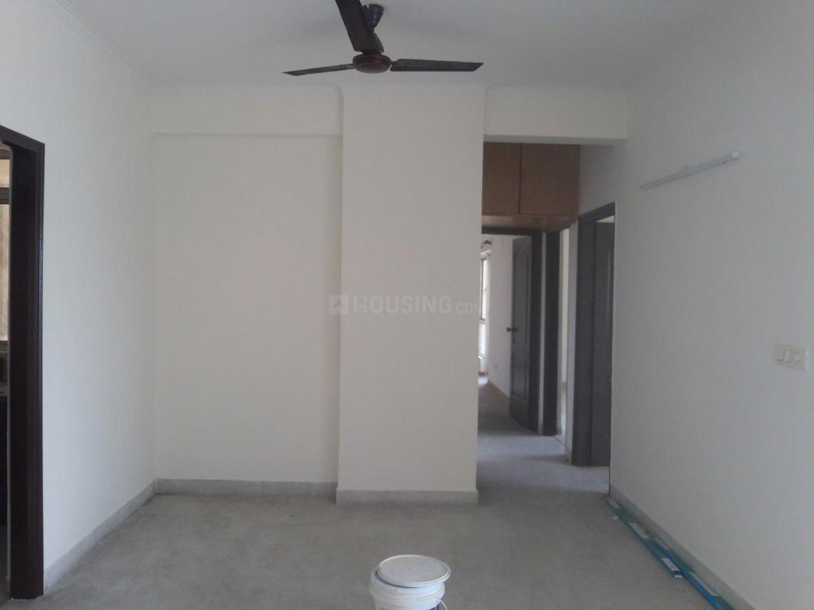 Living Room Image of 1700 Sq.ft 3 BHK Apartment for rent in Chi IV Greater Noida for 17000