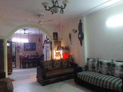 Gallery Cover Image of 1800 Sq.ft 3 BHK Independent Floor for buy in Kalkaji for 20000000