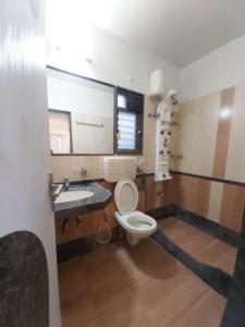 ग्रीनवुड अपार्टमेंट, अंधेरी ईस्ट  में 25000000  खरीदें  के लिए 1000 Sq.ft 2 BHK अपार्टमेंट के बाथरूम  की तस्वीर
