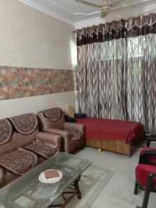 Gallery Cover Image of 1200 Sq.ft 2 BHK Independent Floor for rent in Sector 41 for 20500
