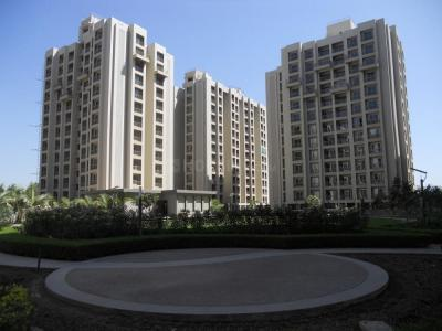 Gallery Cover Image of 1080 Sq.ft 2 BHK Apartment for buy in Makarba for 4800000