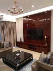Gallery Cover Image of 1500 Sq.ft 3 BHK Apartment for buy in Malad East for 20500000