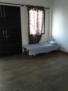 Gallery Cover Image of 4500 Sq.ft 3 BHK Independent Floor for rent in Sector 49 for 38000