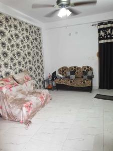 Gallery Cover Image of 200 Sq.ft 1 RK Apartment for buy in Puri Aanand Vilas, Sector 81 for 650000