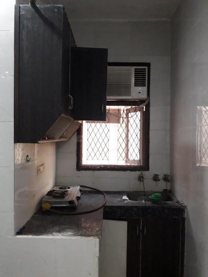 पटेल नगर में हरस पीजी के किचन की तस्वीर