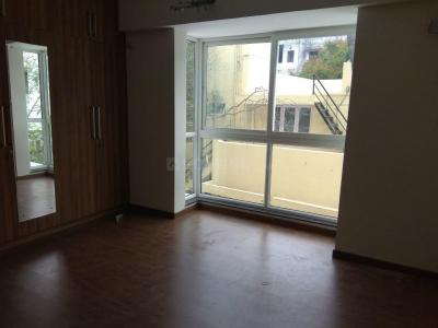 Gallery Cover Image of 1400 Sq.ft 2.5 BHK Apartment for rent in Adyar for 40000
