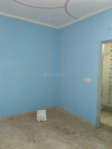 Gallery Cover Image of 800 Sq.ft 2 BHK Independent Floor for buy in Sector 105 for 2600000