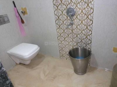 Bathroom Image of Dream Home PG in GTB Nagar