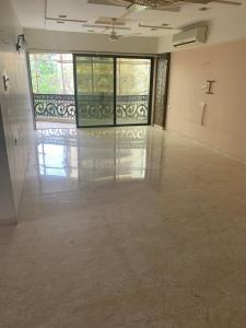 Gallery Cover Image of 2500 Sq.ft 4 BHK Apartment for rent in Juhu for 240000
