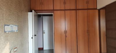 Gallery Cover Image of 1155 Sq.ft 3 BHK Apartment for buy in Andheri West for 33000000