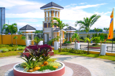 Gallery Cover Image of 200 Sq.ft Residential Plot for buy in Bhanur for 3000000