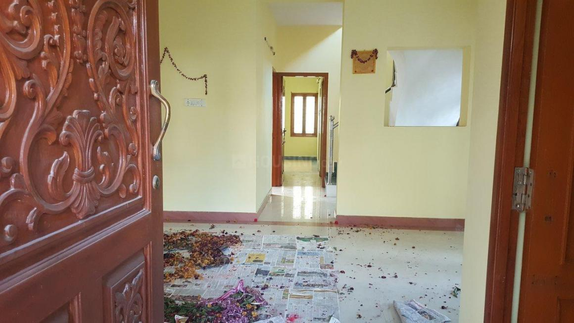 Main Entrance Image of 3000 Sq.ft 3 BHK Independent House for buy in Kottivakkam for 13500000