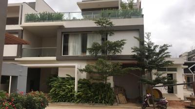 Gallery Cover Image of 3055 Sq.ft 4 BHK Villa for buy in Kodathi for 16800000