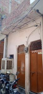 Gallery Cover Image of 315 Sq.ft 3 BHK Independent House for buy in Pul Prahlad Pur for 4000000
