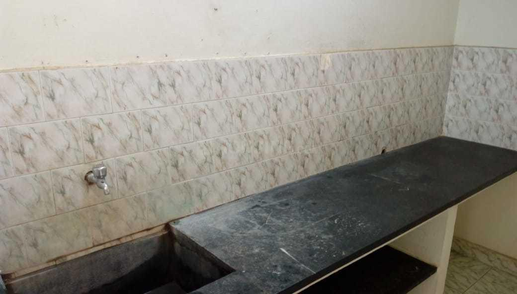 Kitchen Image of 820 Sq.ft 2 BHK Apartment for rent in Selaiyur for 9500
