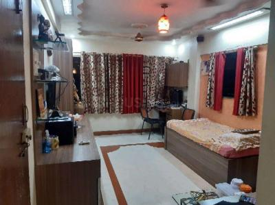 Gallery Cover Image of 960 Sq.ft 2 BHK Apartment for buy in Khar West for 40000000