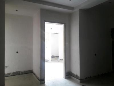 Gallery Cover Image of 880 Sq.ft 3 BHK Apartment for buy in Sector 8 for 5800000