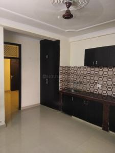 Gallery Cover Image of 675 Sq.ft 2 BHK Apartment for rent in Tughlakabad for 11000