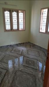 Gallery Cover Image of 750 Sq.ft 2 BHK Independent Floor for rent in Anakaputhur for 8000