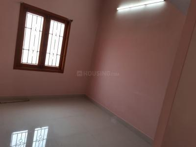 Gallery Cover Image of 700 Sq.ft 2 BHK Independent House for rent in Vandalur for 8500
