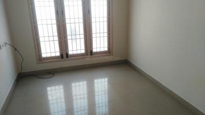 Gallery Cover Image of 850 Sq.ft 2 BHK Apartment for rent in Valasaravakkam for 12000