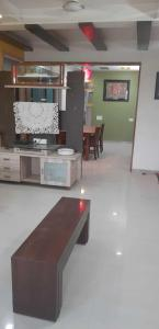 Gallery Cover Image of 2000 Sq.ft 3 BHK Apartment for rent in Vishwanath Sharanam 4, Satellite for 45000
