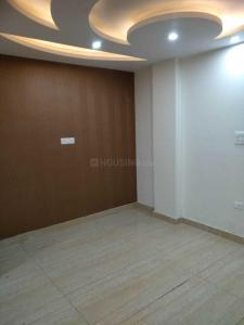 Gallery Cover Image of 905 Sq.ft 3 BHK Independent Floor for rent in  RWA Mohan Garden Block R3 Gali 3, Razapur Khurd for 15000