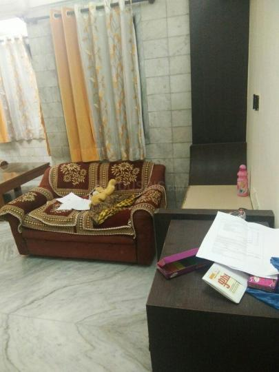 माटुंगा ईस्ट में रमेश पीजी में लिविंग रूम की तस्वीर